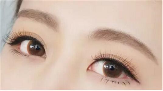 双眼皮做完多久能做美瞳线?